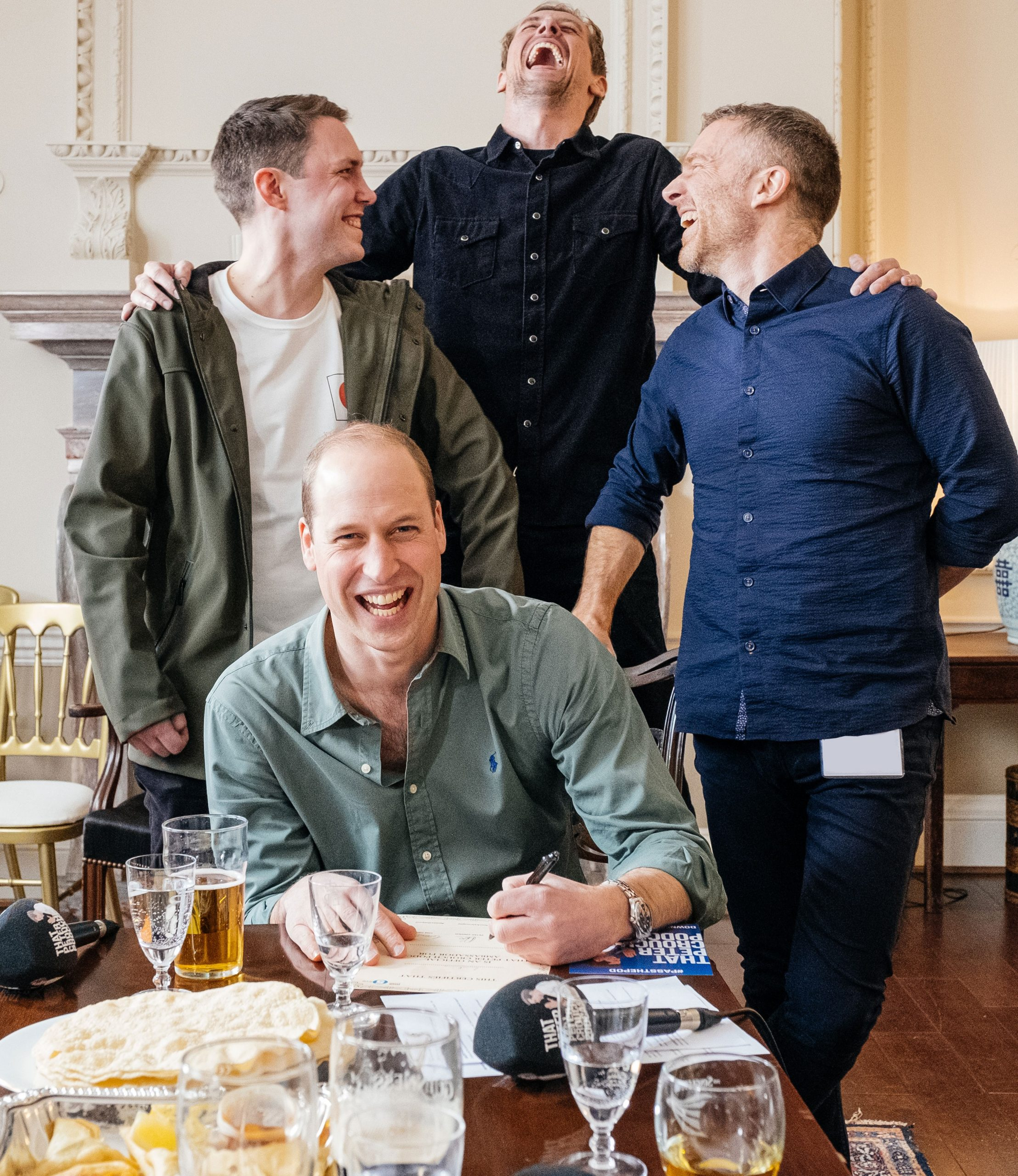Prince William with the 'That Peter Crouch Podcast' team at Kensington Palace. (Photo: Twitter/@KensingtonRoyal)