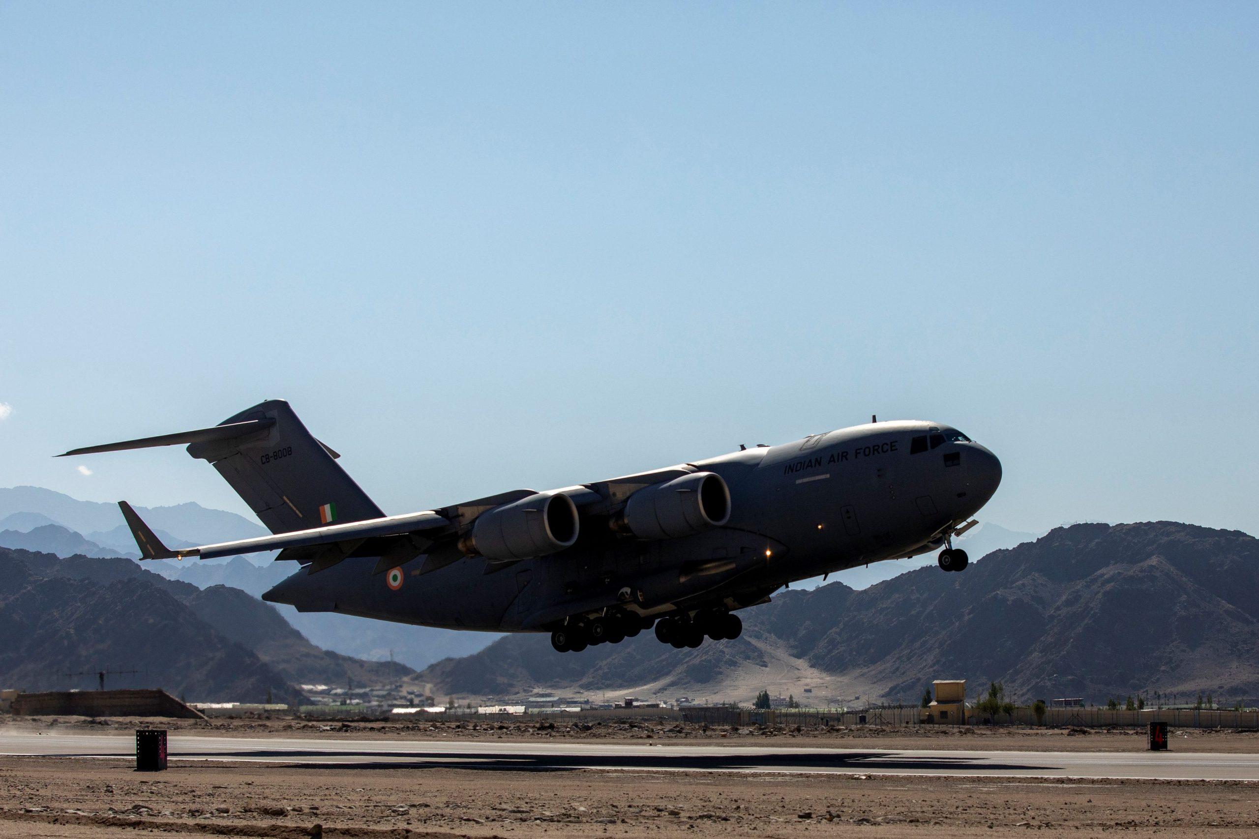 An Indian Air Force's (IAF) C-17 Globemaster transport plane take off from a forward airbase in Leh, in the Ladakh region, September 15, 2020. (REUTERS/Danish Siddiqui)