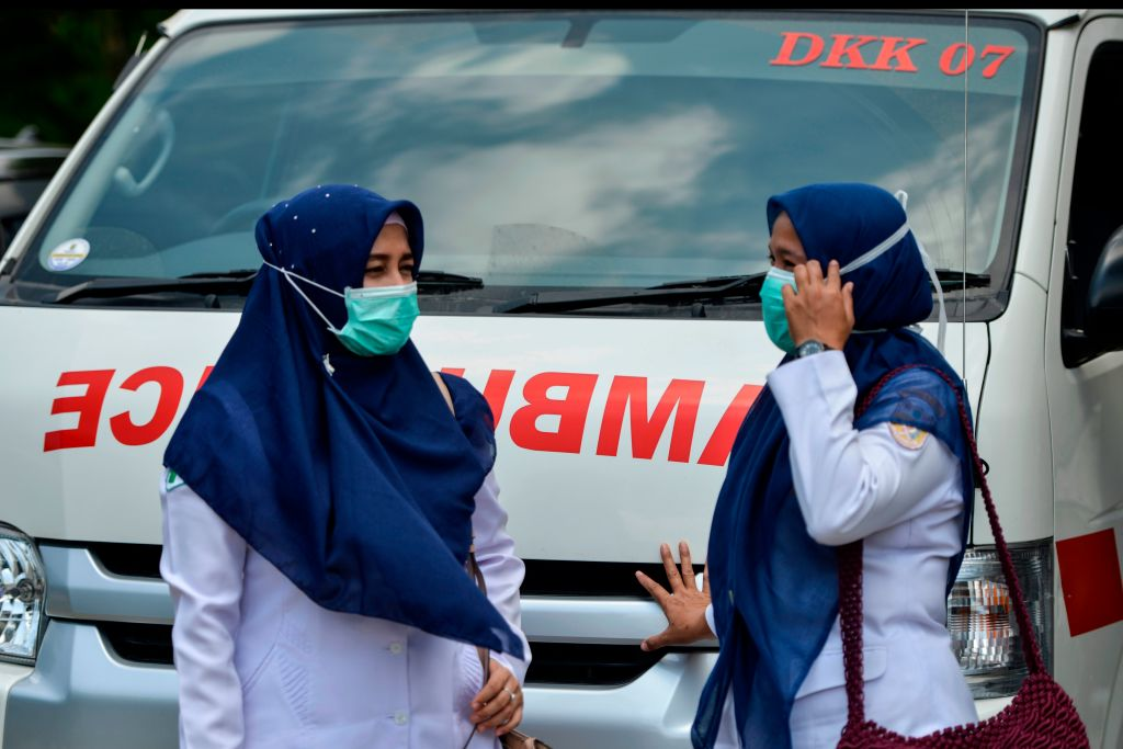 The study said to ensure a mask is not liable to leak it needs to adequately fit the face shape of the wearer, adding that this appears to be more important for protection from airborne viral spread than the filtration capacity of the mask itself. (Photo: CHAIDEER MAHYUDDIN/AFP via Getty Images)