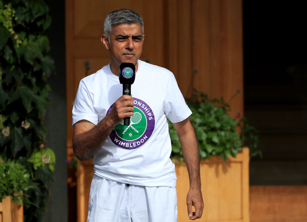London Mayor Sadiq Khan speaks to key workers at the All England Lawn Tennis Club at Wimbledon on September 04, 2020 in London, England. (Photo by Andrew Redington/Getty Images)