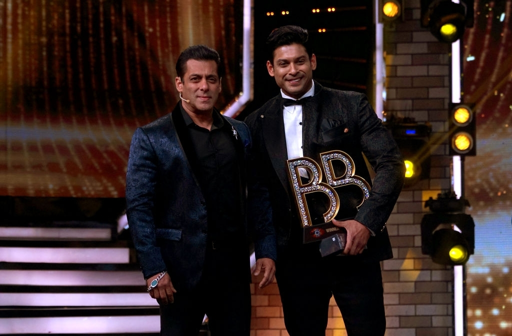Sidharth Shukla with Salman Khan