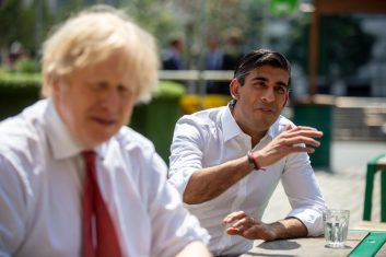 Coronavirus - British Prime Minister Boris Johnson and Chancellor Rishi Sunak at an eatery  in West India Quay, London Docklands. (Photo: Heathcliff O'Malley/Getty Images)