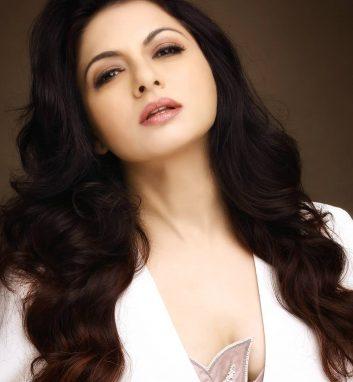 Entertainment - Bhagyashree
