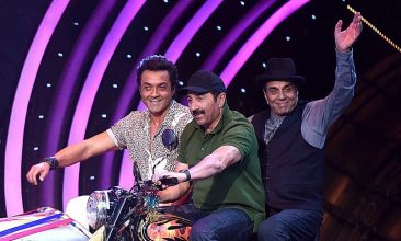 Entertainment - Bobby Deol, Sunny Deol, Dharmendra (Photo by SUJIT JAISWAL/AFP via Getty Images)