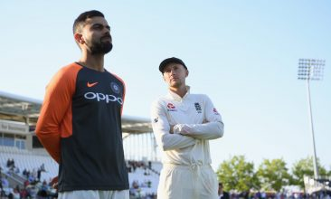CRICKET - England captain Joe Root (r) and India captain Virat Kohli (Photo by Stu Forster/Getty Images)