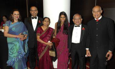 Kirit Pathak - Making a mark: Meena Pathak, Kalpesh Solanki, Paravtiben Solanki, Poulomi Solanki, Ramniklal Solanki and Kirit Pathak  at the 2011 Asian Trader Awards.