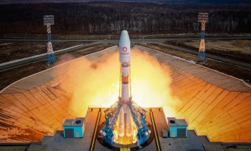 Business - A Soyuz-2.1b rocket booster with a Fregat upper stage and satellites of British firm OneWeb blasts off from a launchpad at the Vostochny Cosmodrome in Amur Region, Russia March 25, 2021. Russian space agency Roscosmos/Handout via REUTERS