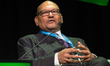 Business - FILE PHOTO: Vedanta chairman Anil Agarwal  (Photo: RODGER BOSCH/AFP/Getty Images).