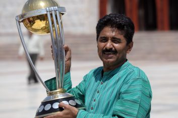 CRICKET - Former Pakistan cricketer Javed Miandad  (Photo credit should read RIZWAN TABASSUM/AFP/Getty Images)