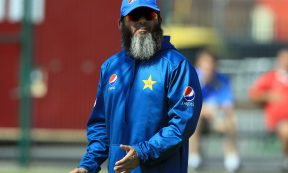 CRICKET - Mushtaq Ahmed (Photo by Clint Hughes/Getty Images)