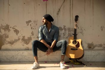 E-GUIDE - My playlist with with Taha Hussain