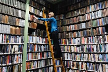 Column - LEEDS, ENGLAND - JANUARY 09:  Assistant Librarian Helen Holdsworth arranges shelves of books inside the Leeds Library on January 9, 2018 in Leeds, England. This year sees the 250th anniversary of the oldest subscription library in the United Kingdom. Founded in 1768 the Grade II listed building in the heart of Leeds is the the oldest surviving example of this sort of library in the country. It holds over 140,000 thousand books and has 880 members. To mark the anniversary there are a range of events planned throughout the year.  (Photo by Ian Forsyth/Getty Images)
