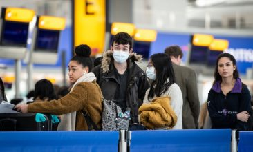 Coronavirus - Passengers at the London Heathrow Airport (Photo: Leon Neal/Getty Images)