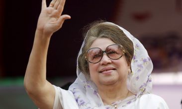BANGLADESH - FILE PHOTO: Bangladesh Nationalist Party (BNP) Chairperson Begum Khaleda Zia waves to activists as she arrives for a rally in Dhaka. REUTERS/Andrew Biraj/File Photo