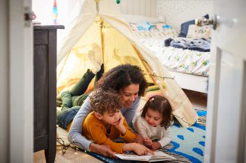 E-GUIDE - EFFECTIVE: Keep the young minds engaged with activities such as treasure hunt, board games or indoor camping